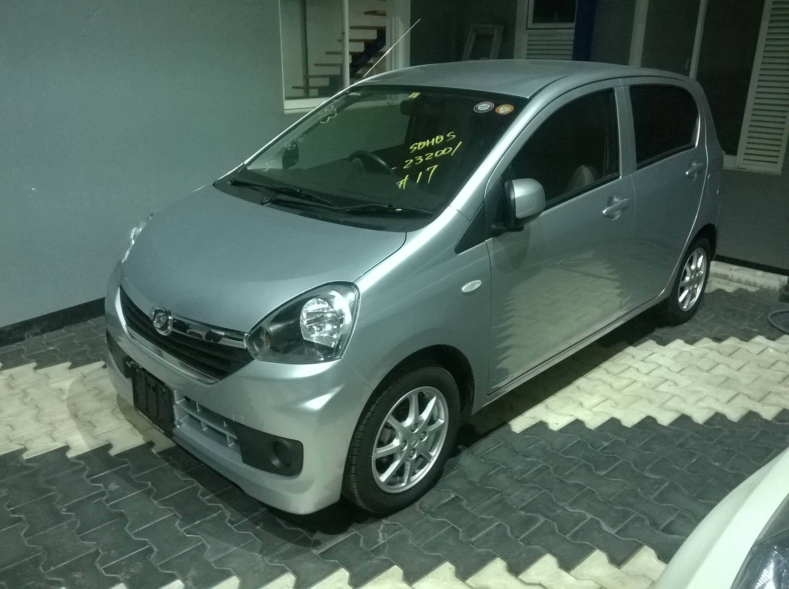 Daihatsu Mira LA300S user review